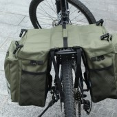 Картинка Велосумка-штаны на багажник водоотталкивающая зеленая