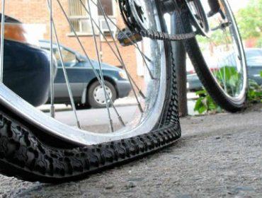 Как самостоятельно поменять камеру на велосиипеде